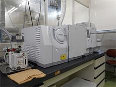 ガスクロマトグラフ質量分析計(GC-MS)
